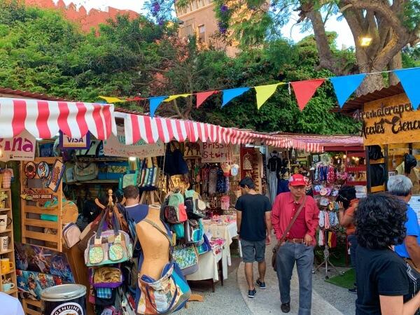 Barranco feria shops